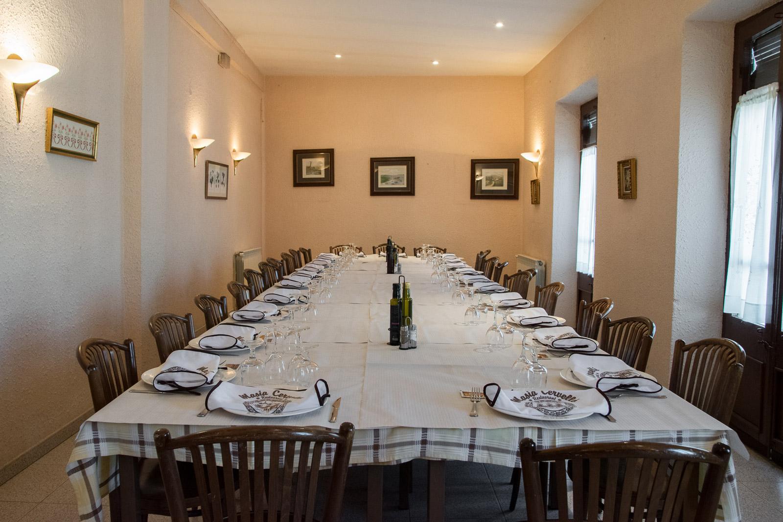 Comidas de grupos en restaurant Masía Cervelló en Valls